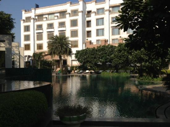Radisson Blu Plaza Delhi Airport: 'Cool' Pool View