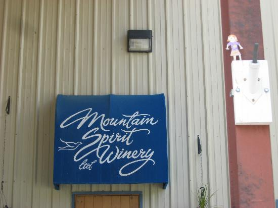 Mountain Spirit Winery : Enter Here for a Wine Tasting Experience!