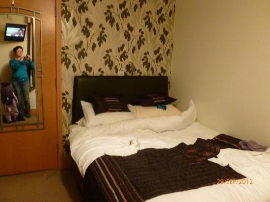 The Derby Conference Centre: Hotel room