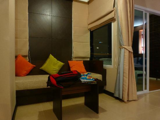 Andakira Hotel Patong: sofa