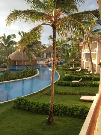 Hotel Majesctic Colonial Punta Cana: View from room towards pool bar