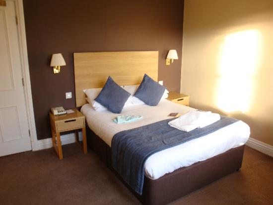 The St George Hotel: Double bed