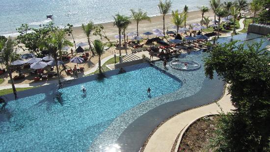 Beyond Resort Krabi: Pool & Beach view from balcony