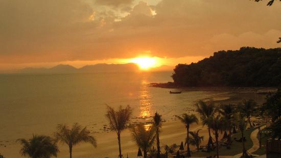 Beyond Resort Krabi: Sunset view from balcony (4th floor)