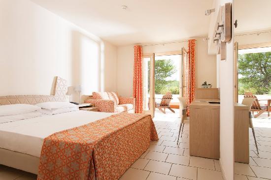 Castellaneta, Italien: Zona Bagolaro, camera doppia con diviano letto