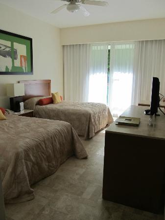 Mayan Palace Riviera Maya: #2 Bed Room with another full bathroom