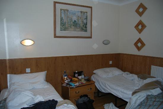 Huttons Hotel: CAMERA