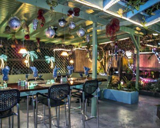 Chez Bamboo: Bar and dancing area