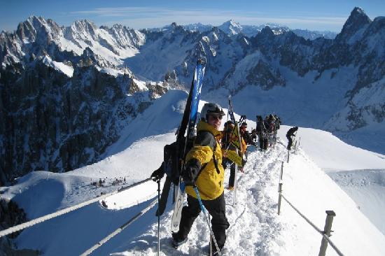 Guides des Cimes: Chamonix Vallée Blanche with guides des cimes