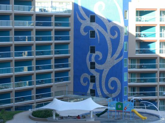 Hard Rock Hotel Cancun: New exterior motiff