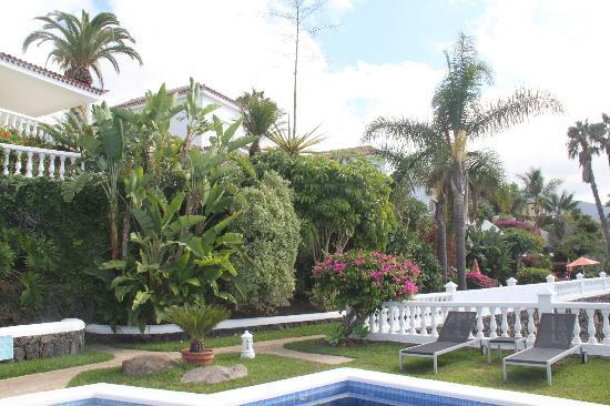 Jardin de la Paz: landscaping