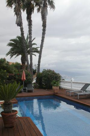 Jardin de la Paz: views from pool area