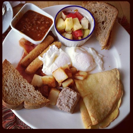 Auberge La Porte Rouge : This the brunch breakfast option - adding 4 dollars.