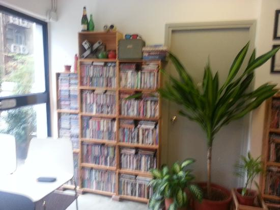 Hop Inn: DVD's and vcd collection