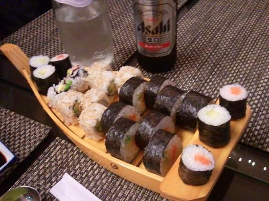 Sushi Zenzero 2 Take Away 5 Terre: barchetta e birra giapponese