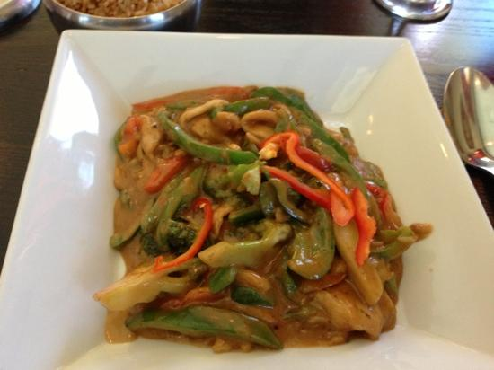 Bamboo thai bistro asian restaurant 5079 s yale ave in for Asian cuisine restaurant tulsa