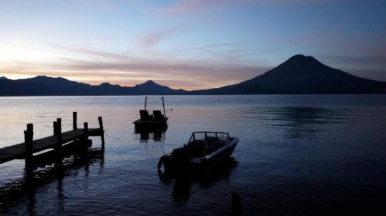 La Fortuna at Atitlan : Early morning view of the lake