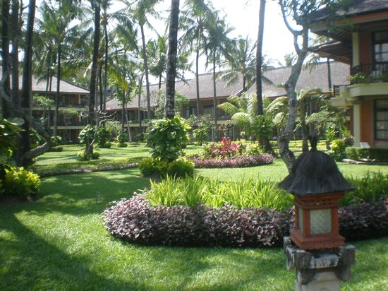 The Jayakarta Bali Beach Resort: Gardens