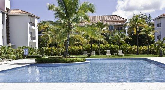 Karibo's Garden :                                     Piscina