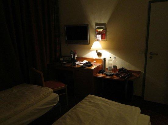 Hotel Tiefenthal:                   Zimmer 103