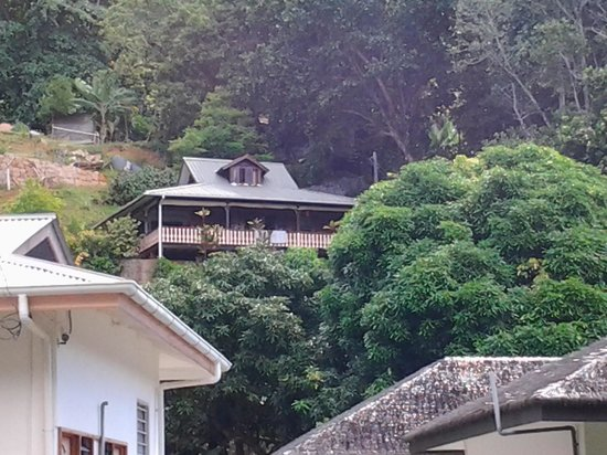 Calou Guest House Hotel :                                                       Casa creola
