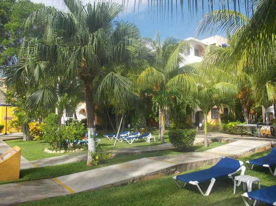 Real Playa del Carmen: Inside grounds
