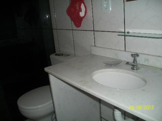 Biruta Guest House : Banheiro