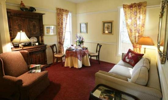 La Belle Epoque: Carolines Suite Livingroom