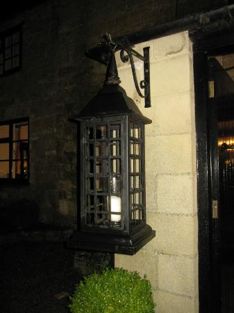 Mill House Hotel: entrance to the hotel