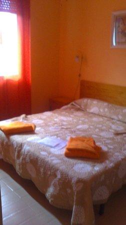 Optimist Aparthotel: bedroom