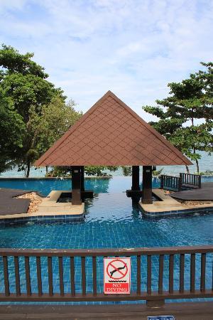 Holiday Inn Resort Phi Phi Island : piscine pour adultes