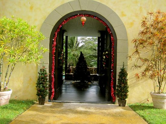 Mahogany Hall Boutique Resort: Grand Entrance