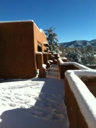 La Fonda on the Plaza: Snow covered morning