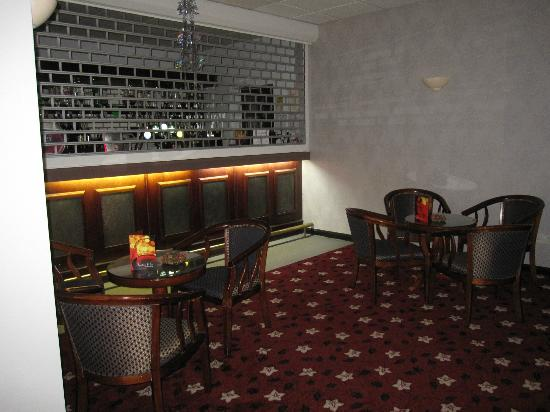 Wessex Hotel: the bar on the ground floor
