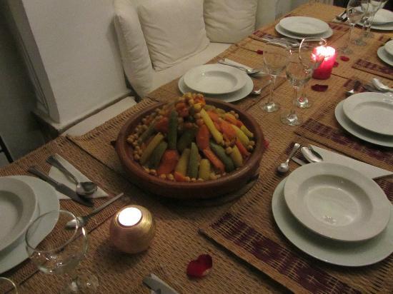 Riad Diarna: cous cous di pollo e legumi