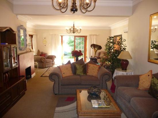 Val d'Or Guest House: Gemeinsamer Wohnbereich