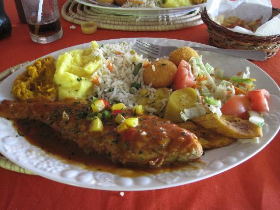 Debbie's Homemade Foods: Fish Platter