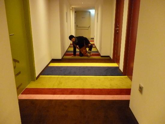 La moquette fantasiosa picture of roomz graz budget for Budget design hotel