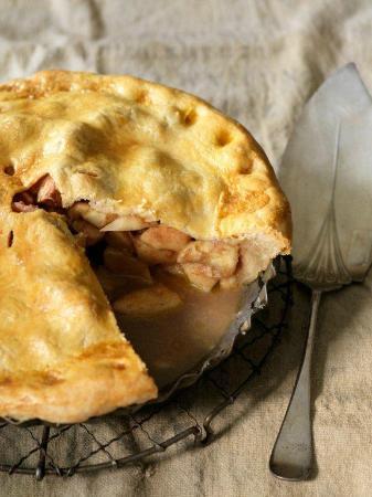 Centerville Pie Co. : Yummy Apple Pie