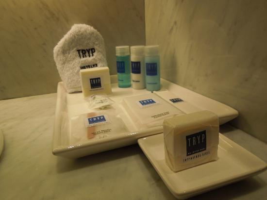 Hotel TRYP BUENOS AIRES: accesorios de cortesia del baño