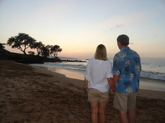 Makena Beach & Golf Resort: Sunset on the beach