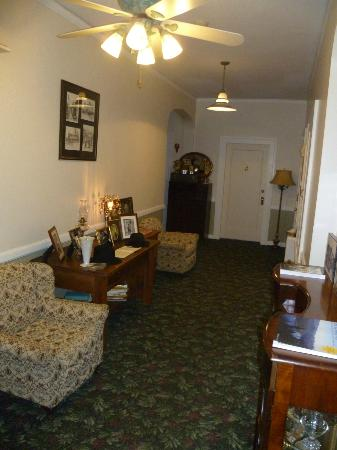 The Old Courthouse Inn: The upper hallway