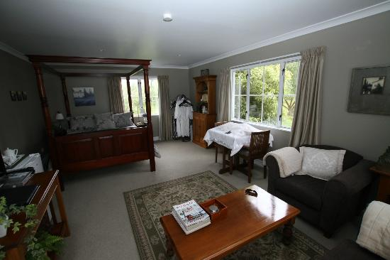 Hillsfield House Bed and Breakfast Marlborough: the view from the door