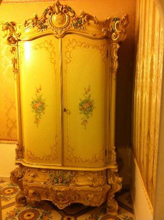 Grand Hotel La Sonrisa: closet