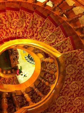 Grand Hotel La Sonrisa: Staircase