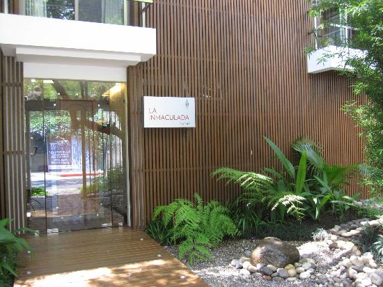 La Inmaculada Hotel: Front entrance