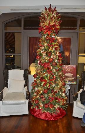 بوهيميان هوتل سيليبريشن أوتوجراف كولكشن: Lobby Christmas Tree