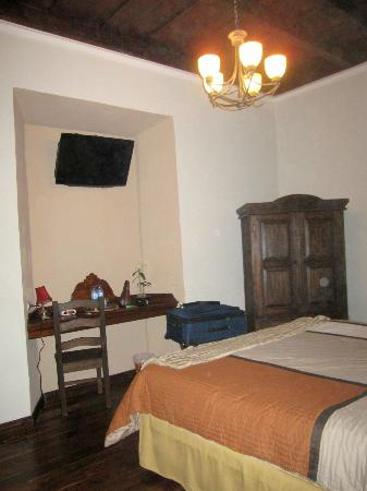 ‪‪Hotel la Catedral‬: Bedroom-ample room‬