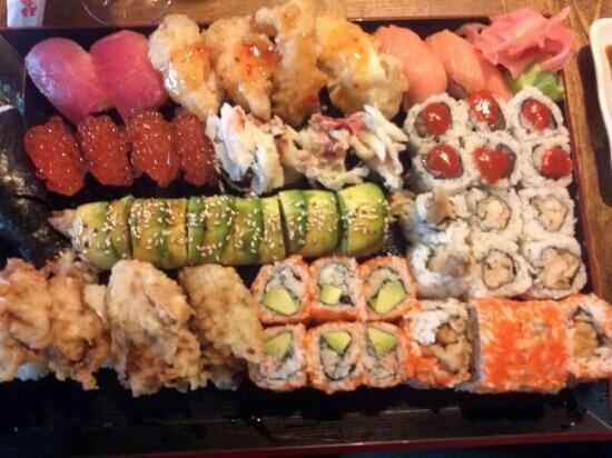 Takahashi: Our yummy Sushi plate! ;)