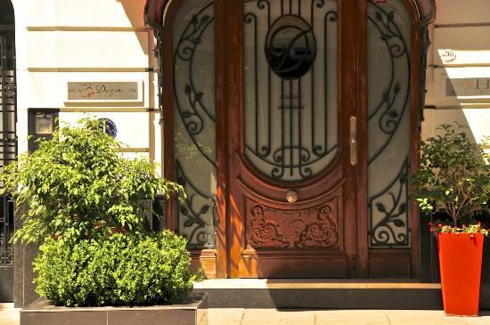 Duque Hotel Boutique & Spa: The front door